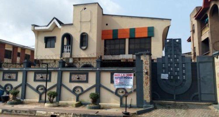 Holla-Jobi Guest House