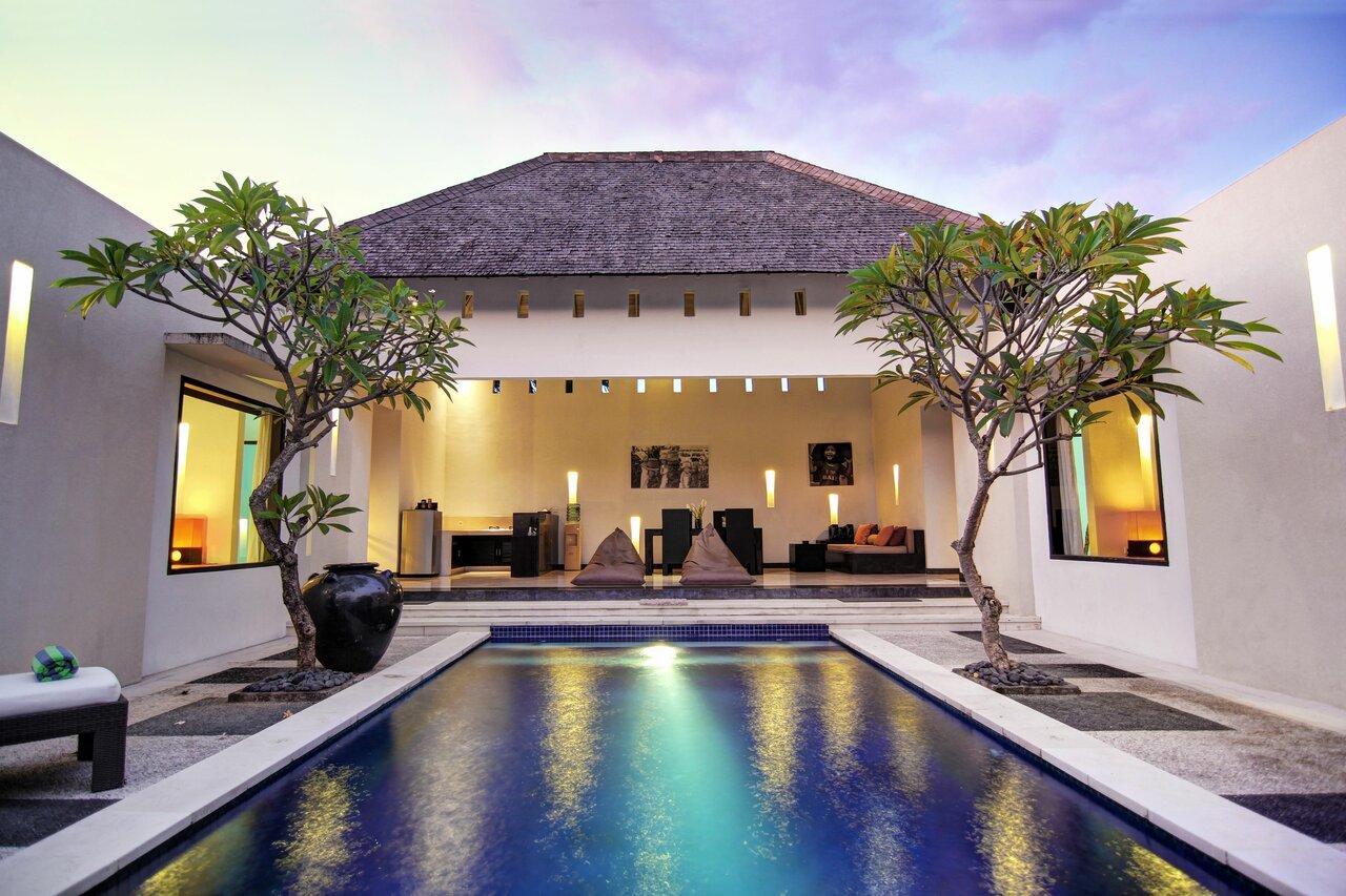 The Seminyak Suite Privat Villa
