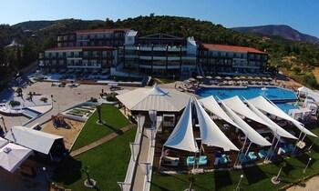 Blue Dream Palace Luxury Beach Resort