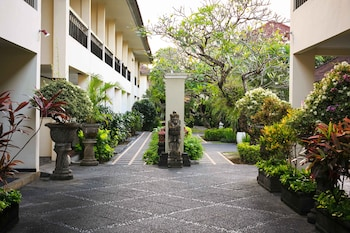 Legian Paradiso Hotel