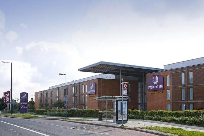Premier Inn Heathrow Airport (bath Road)