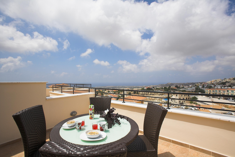 Club Coral View Resort