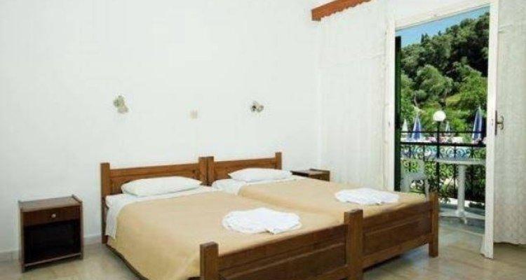 Takis and Efi Apartments