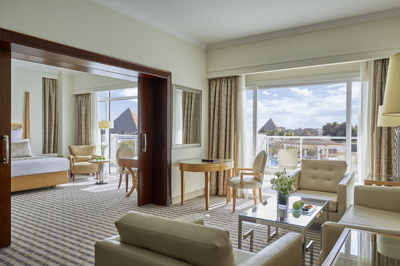 Cairo Pyramids Hotel