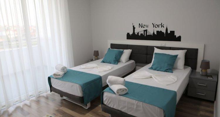 Lounge Bar & Hotel New York