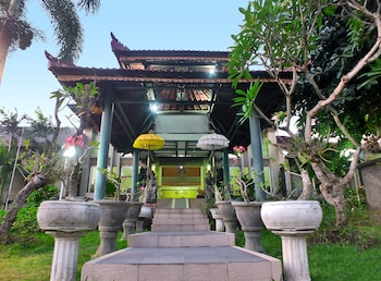 Palm Beach Resort Hotel Bali