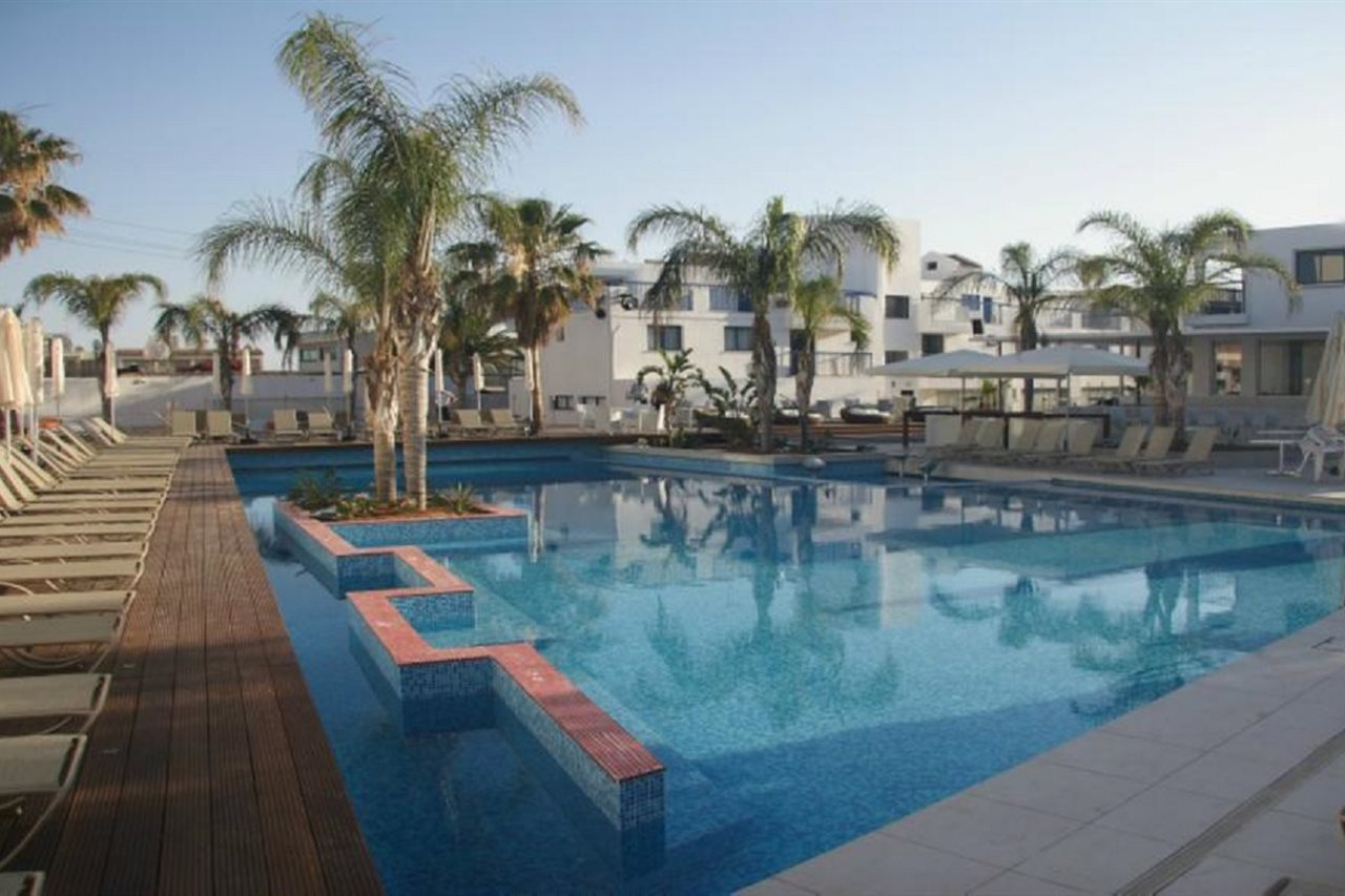Tsokkos Holiday Hotel Apartments