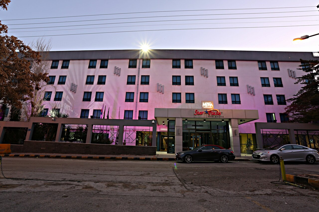 Star Plaza Hotel & Suites