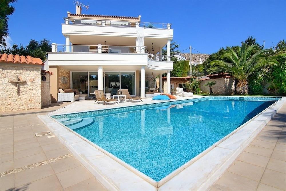 Luxury Villa Sea Melody