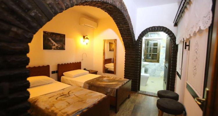 Heraklis Hotel