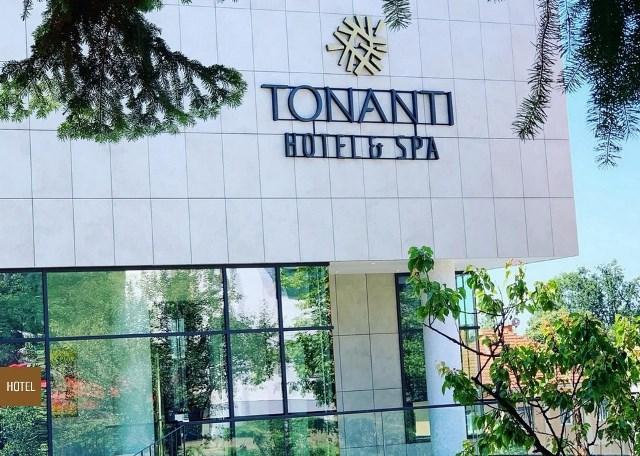 HOTEL TONANTI