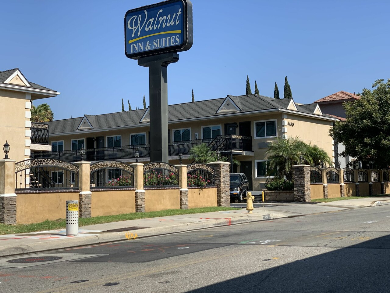 Walnut Inn & Suites