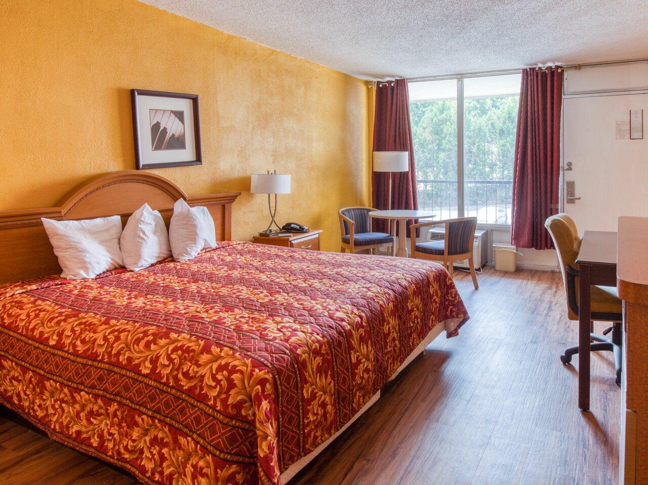 American Atlanta Inn And Suites
