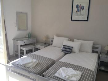 Kirki Apartments