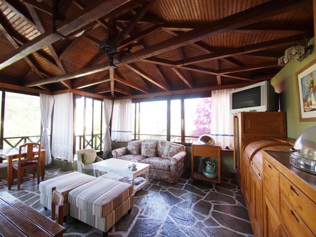 Liadromia Hotel