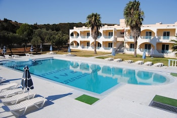 Tivoli Hotel & Apartments