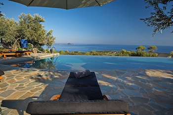 The Infinity 180 Luxury Suites - Adults Only