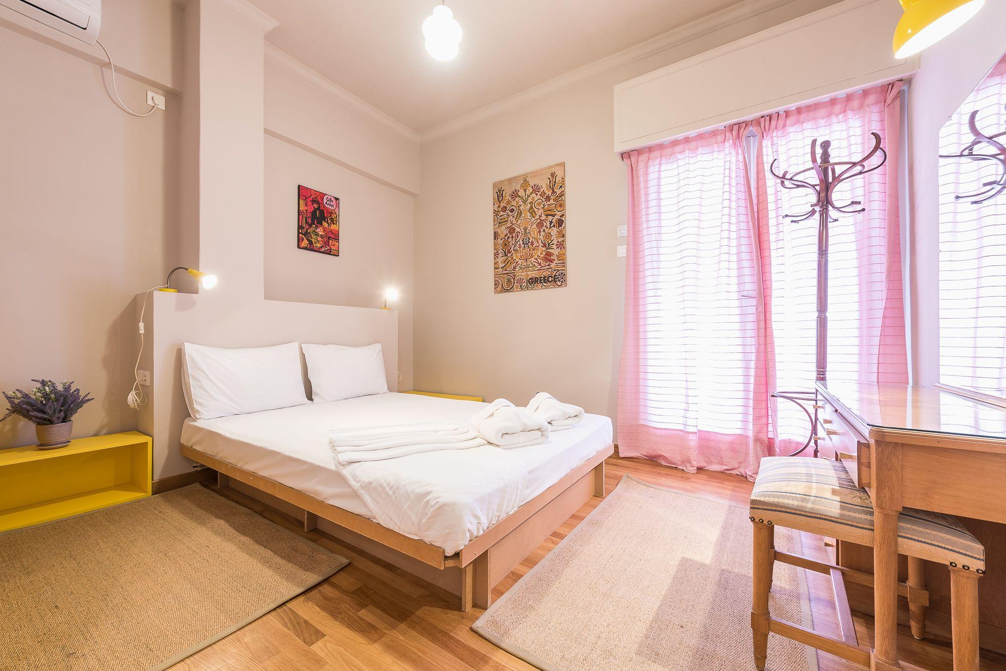 Bright 2 Bed Apartment