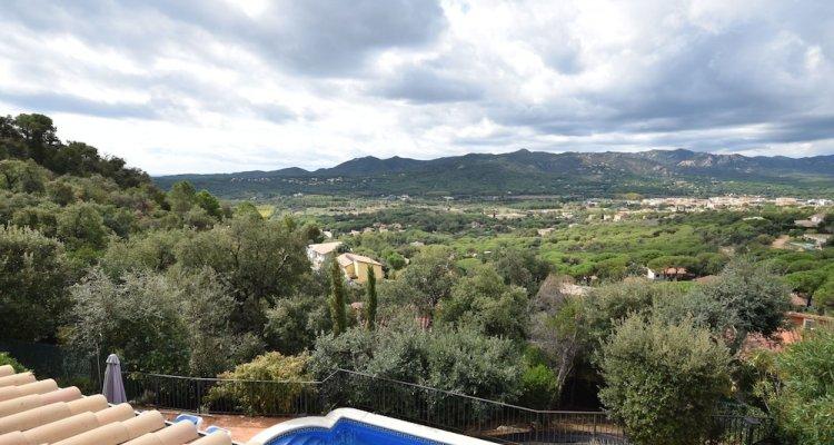 Cozy Villa in Santa Cristina D'aro With Swimming Pool