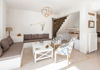 Deluxe Villa With Sea View In Kythnos