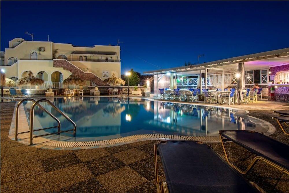 Perivolos Sandy Resort