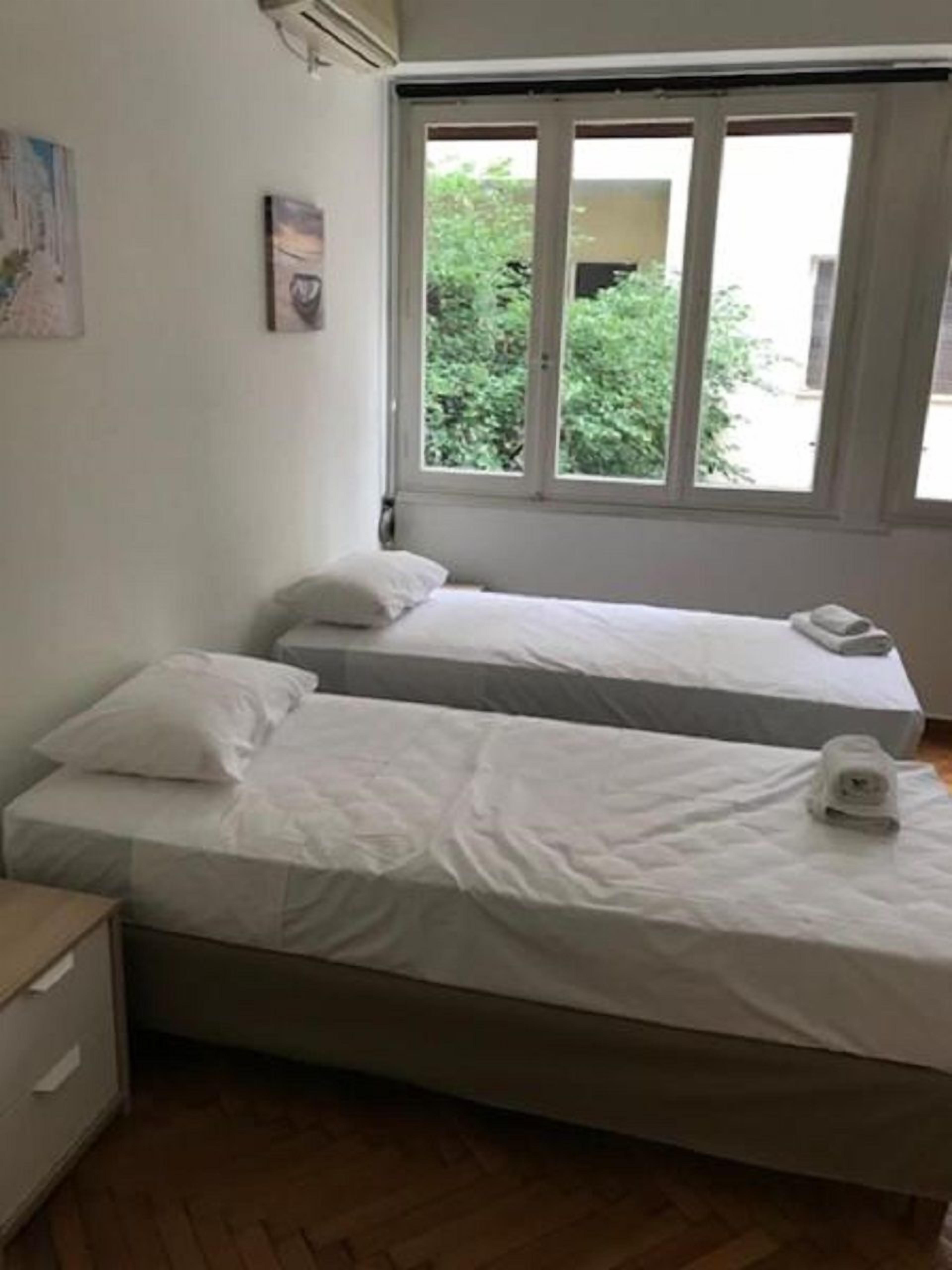 Kaniggos Two Bedroom Big Apartment