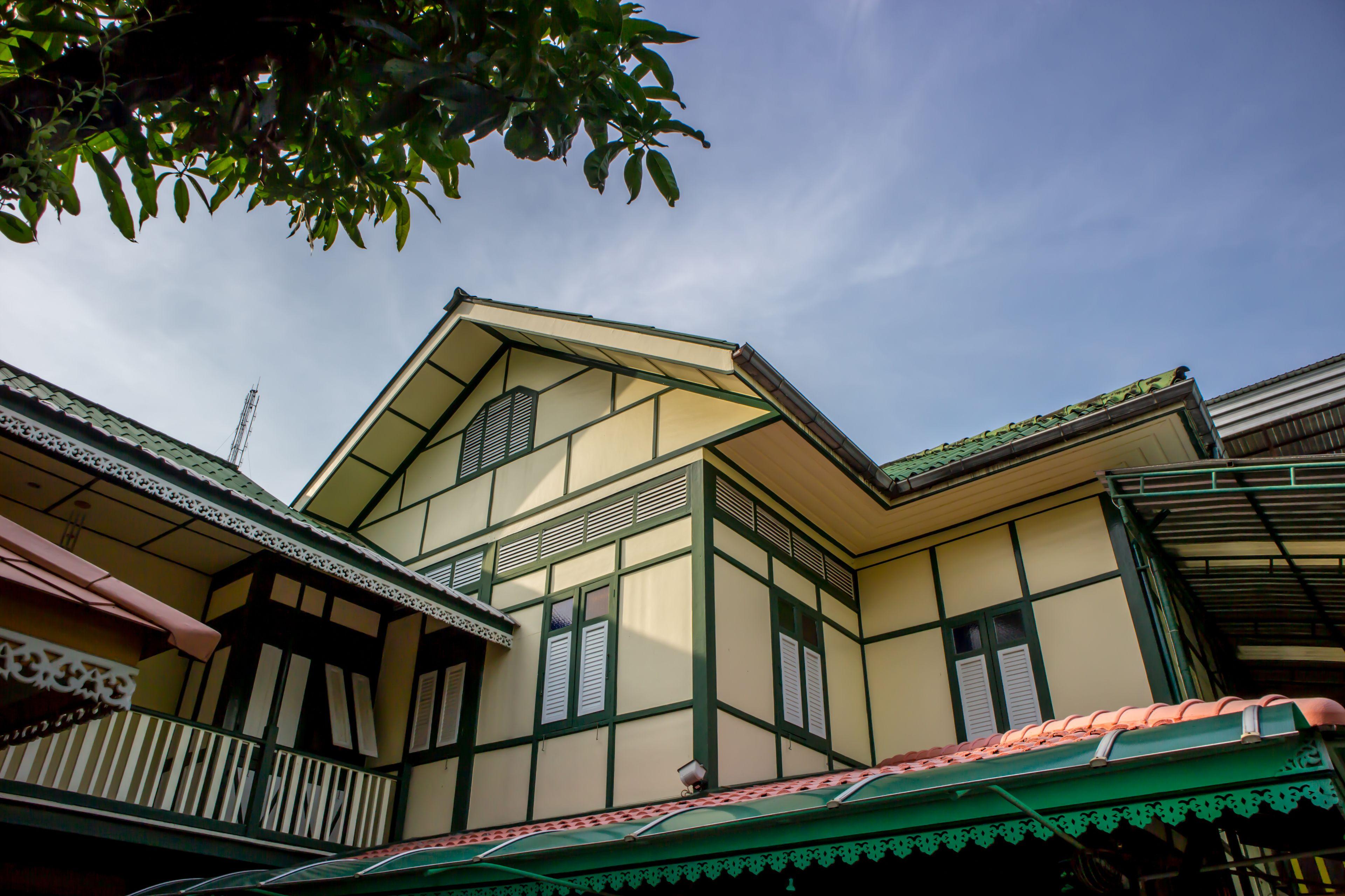 Samsensam Place