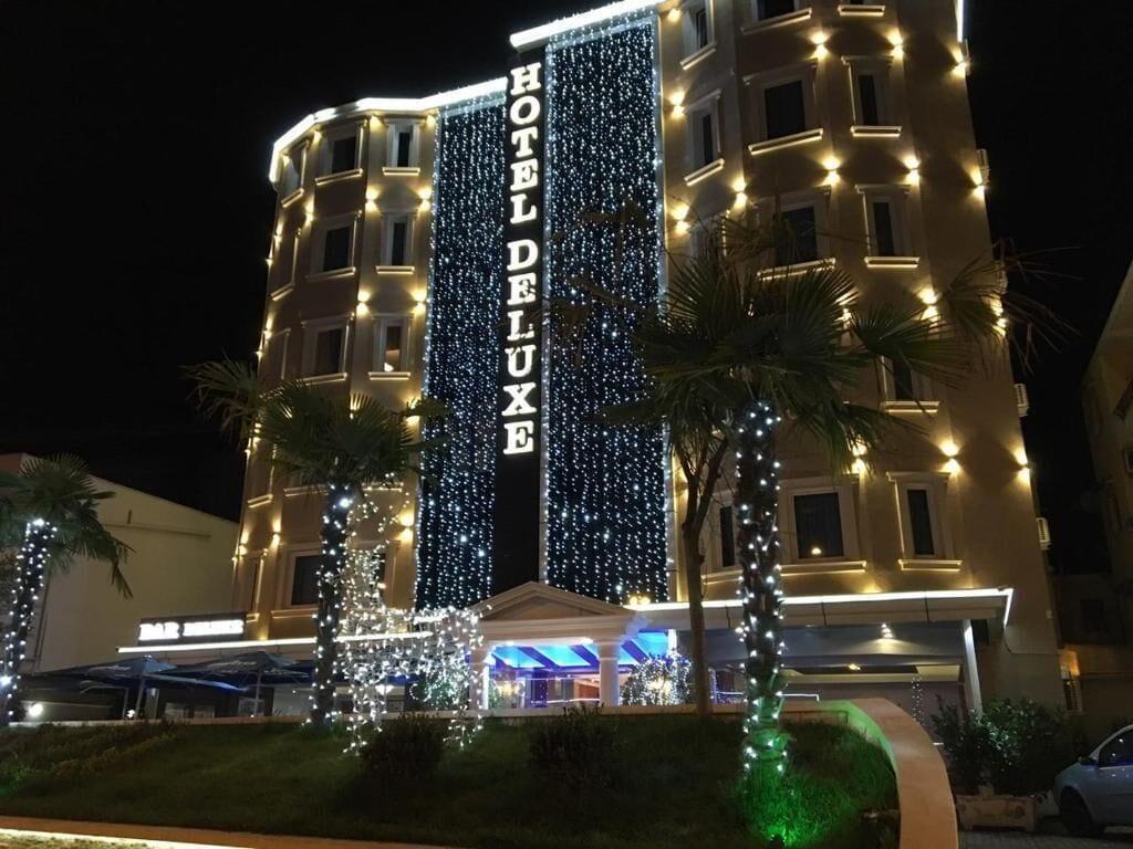 Hotel Deluxe