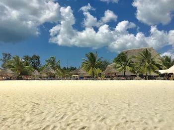 Mocco Beach Villa ***