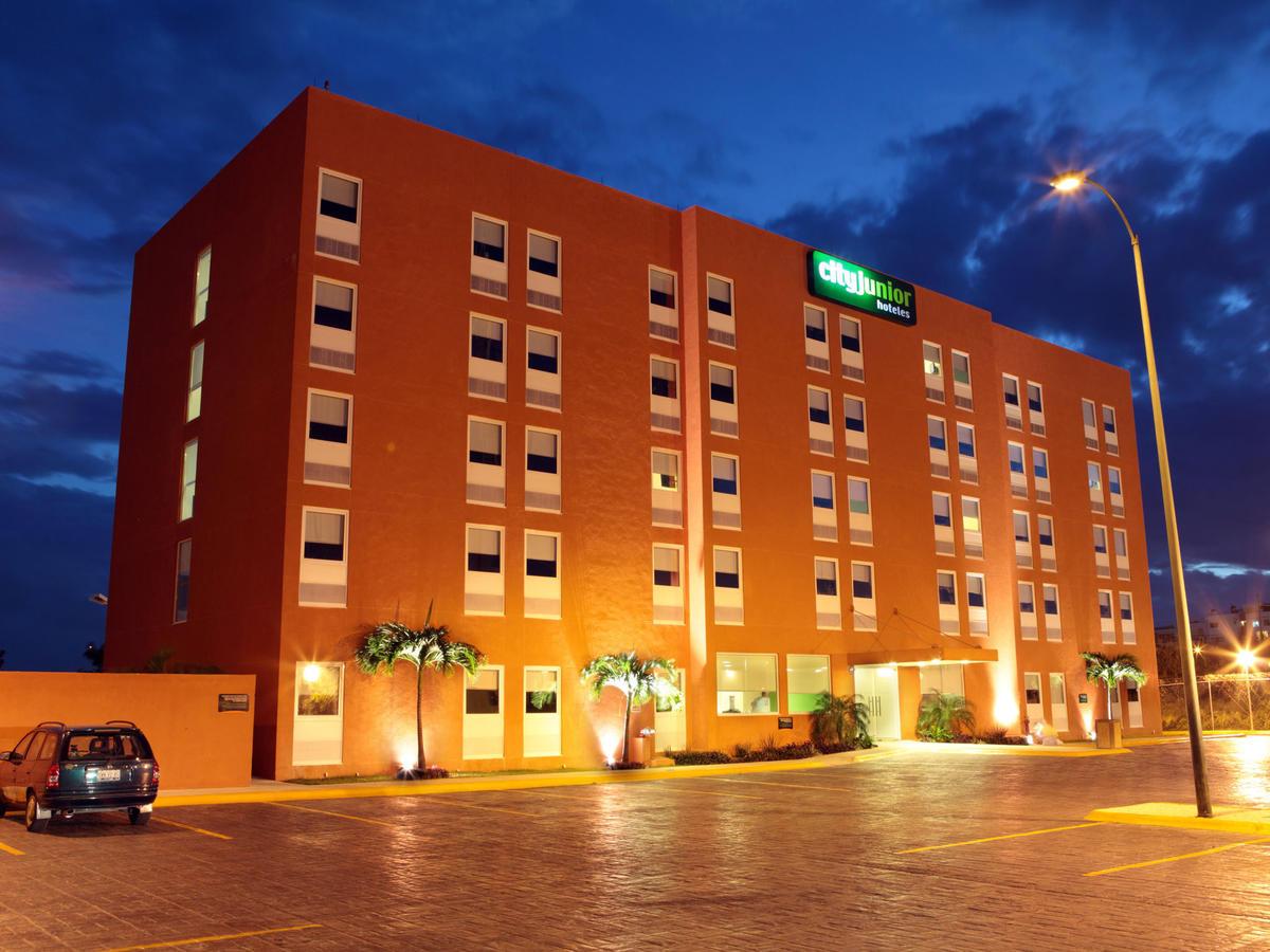 City Express Junior Cancun