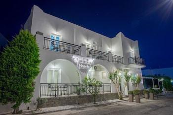 Cyclades Hotel & Studios