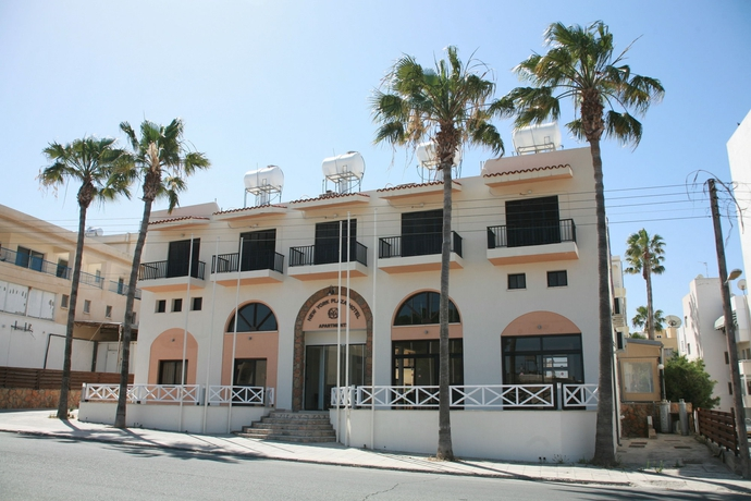 New York Plaza Hotel Apartments Paphos