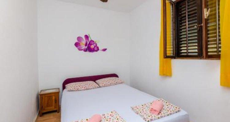 Apartment & Rooms Alan