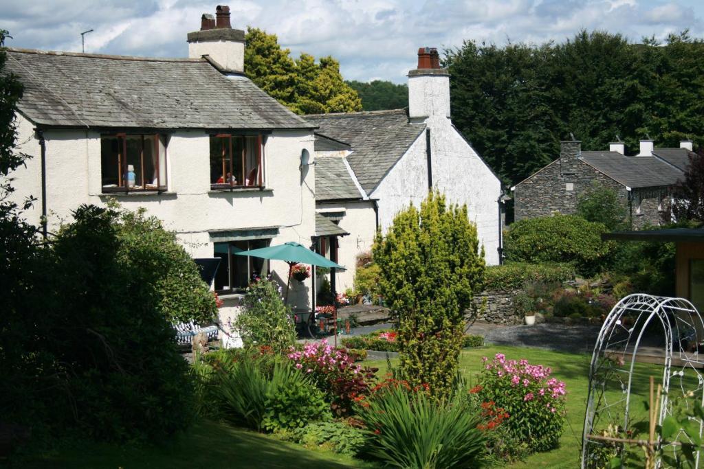 School House Cottage B&b And Tea Garden