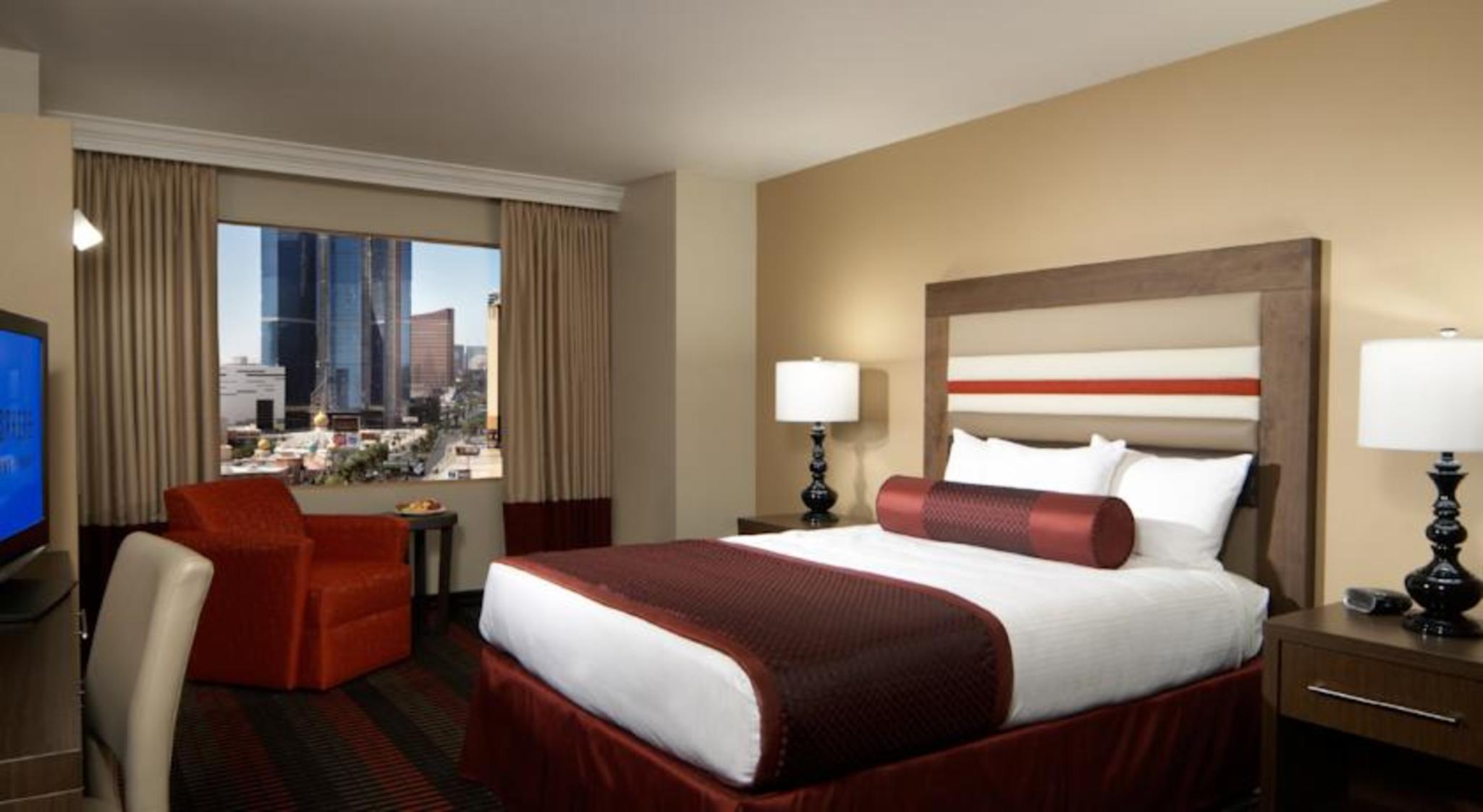 The STRAT Hotel, Casino and Skypod