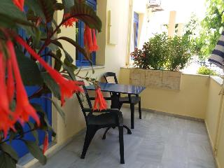 Leonidas Studios & Apartments