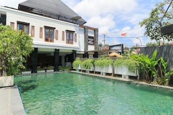 Casa Padma Hotel & Suites