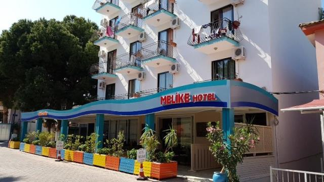 HOTEL ** / HB