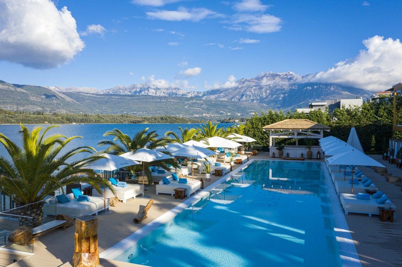 La Perla Hotel & Resort By Dukley