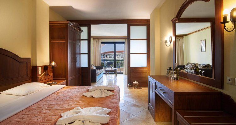 Toroni Blue Sea Hotel & Spa