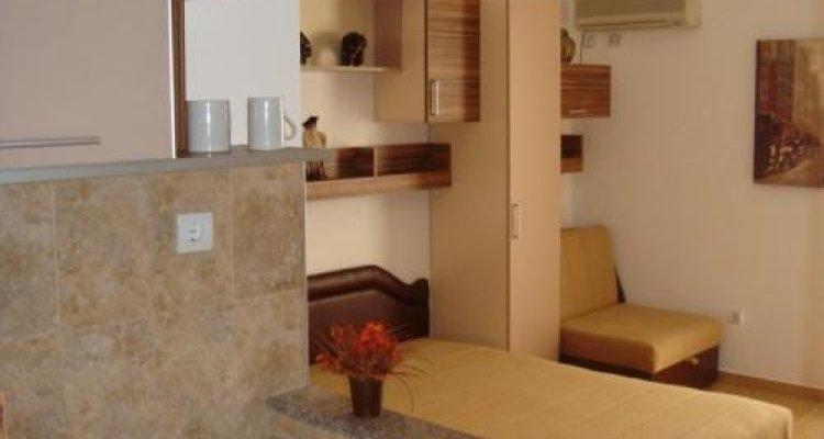 Azzuro Apartments