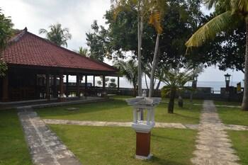 Bagus Beach Resort