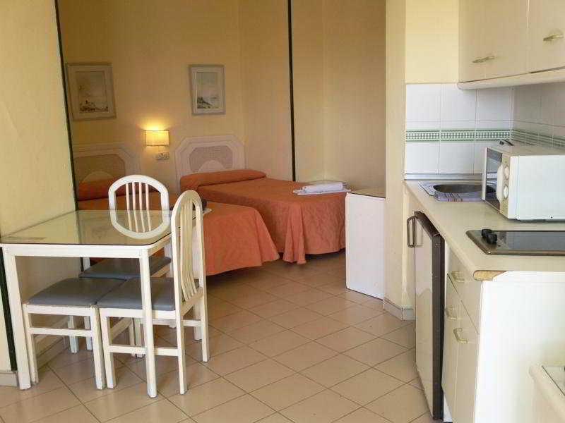 Apartamentos Mediterráneos