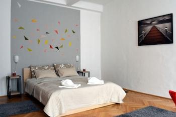 Diamond Astoria 4, Quiet Apartment