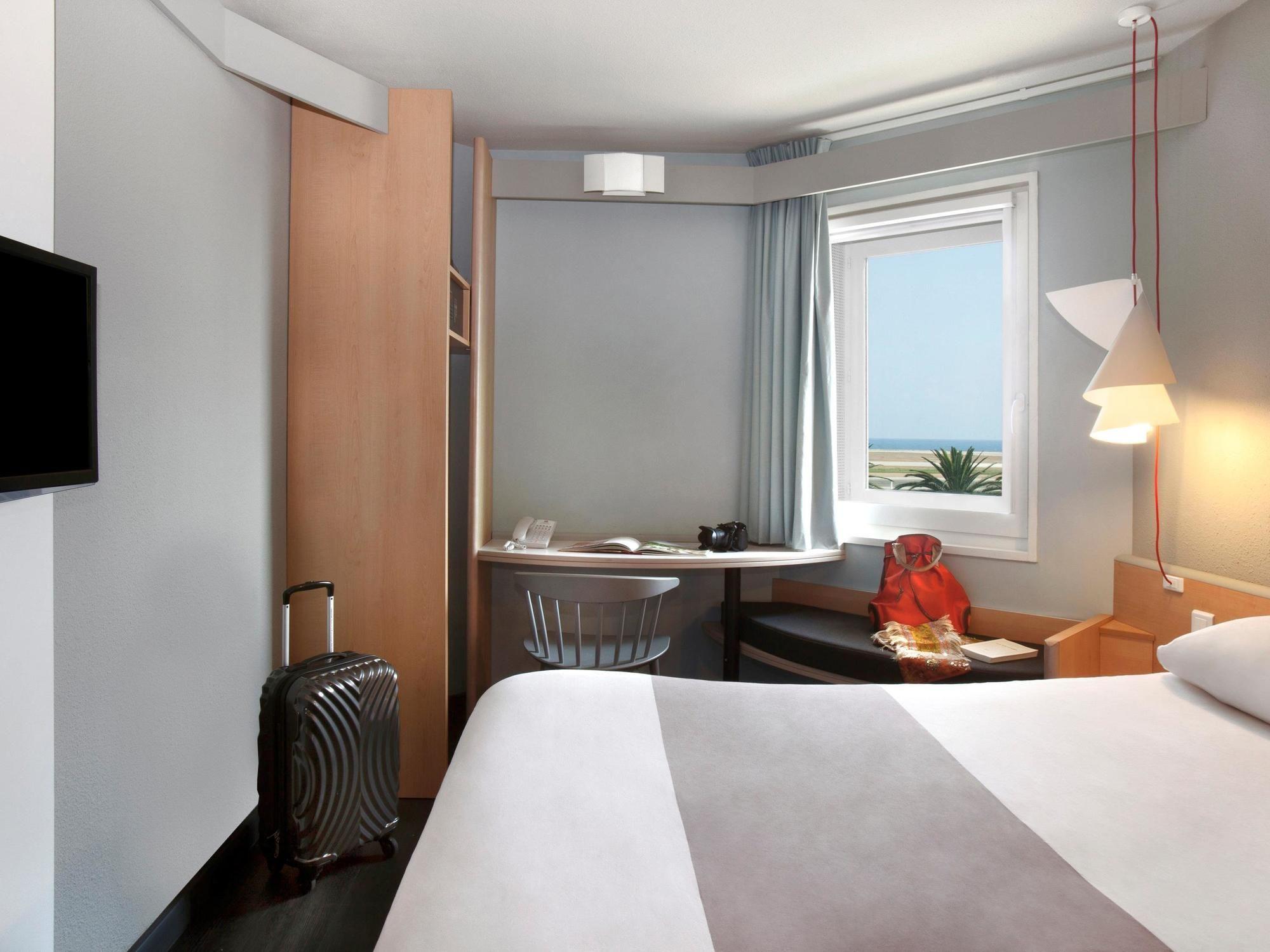 ibis Nice Aeroport Promenade Hotel