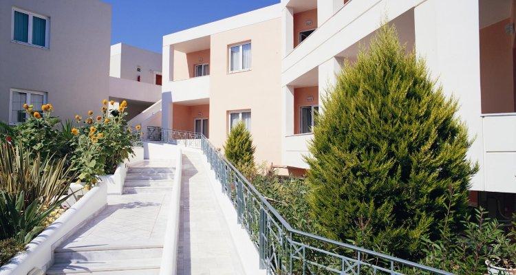 Ilianthos Village