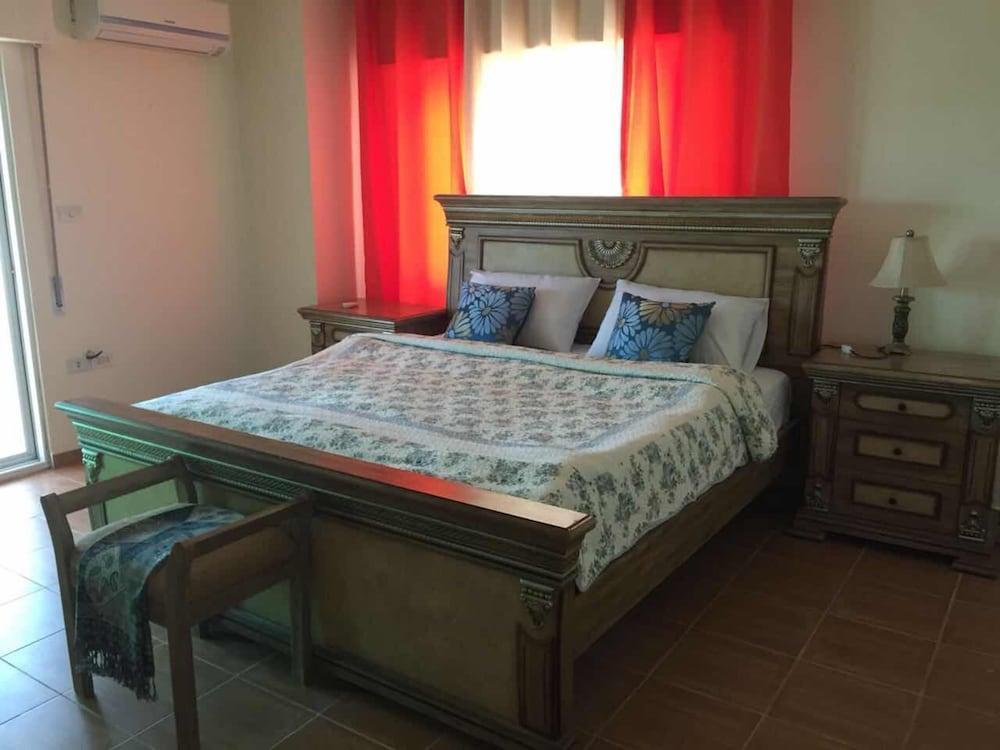 Dabouq Luxury Spaceous Apartment