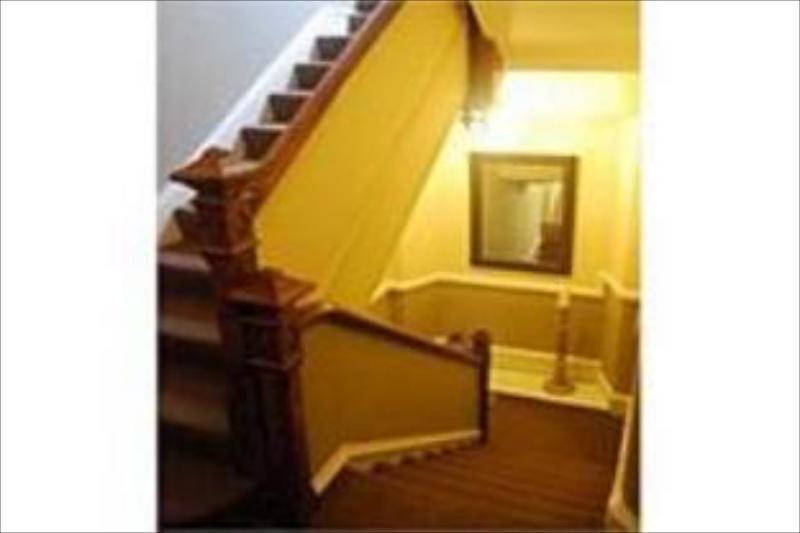 Ambleside Central - Guest House