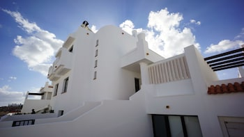 Surfers Retreat - Hostel - Adults Only