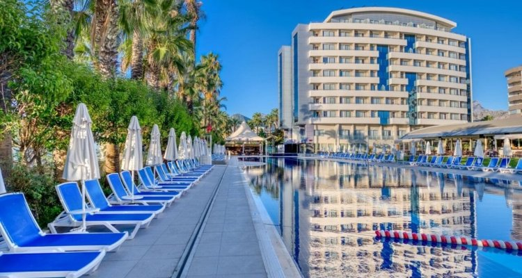 Porto Bello Hotel Resort & Spa